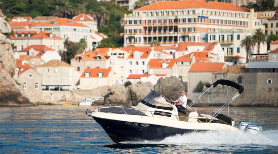 boat tour sipan